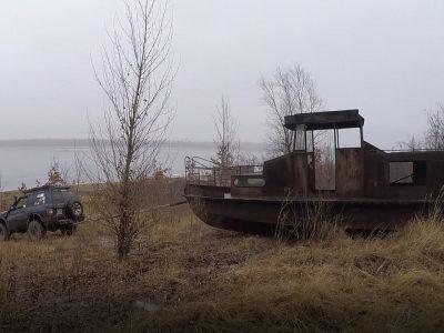 Górnik na dnie jeziora