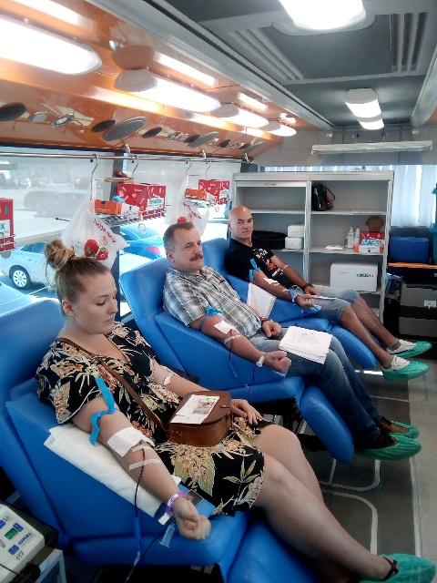 Krwiodawcy pomagają latem