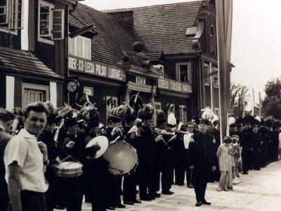Muzycy w górniczych mundurach (2)