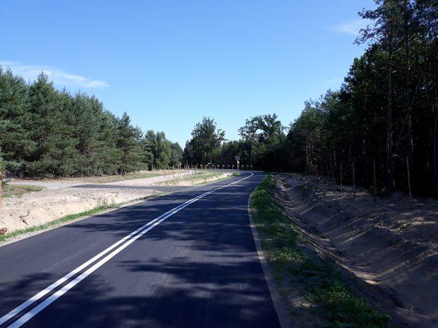 Z Łuczywna do Drzewiec po asfalcie